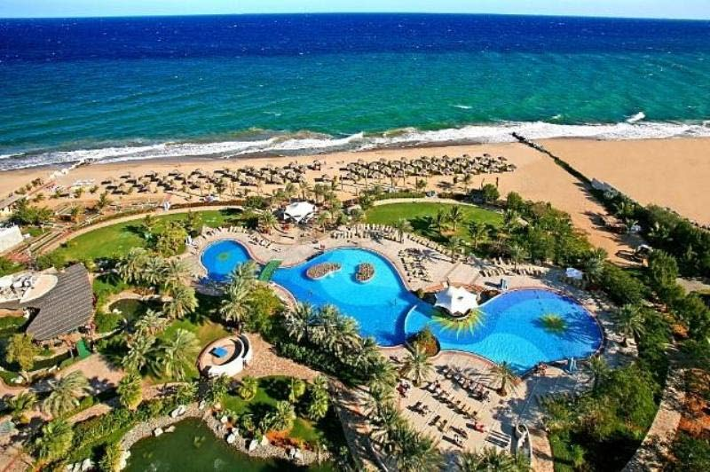 Отель Le Meridien Al Aqah Beach Resort 5*. Вид на пляж